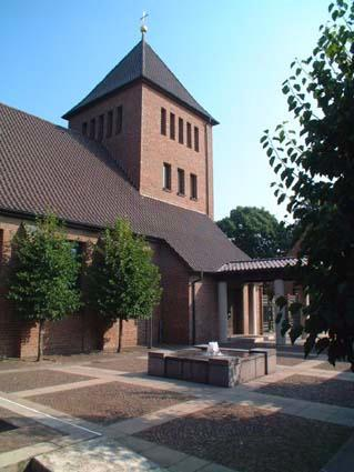 Innenhof von St. Michael - Unsere Kirche - St. Michael